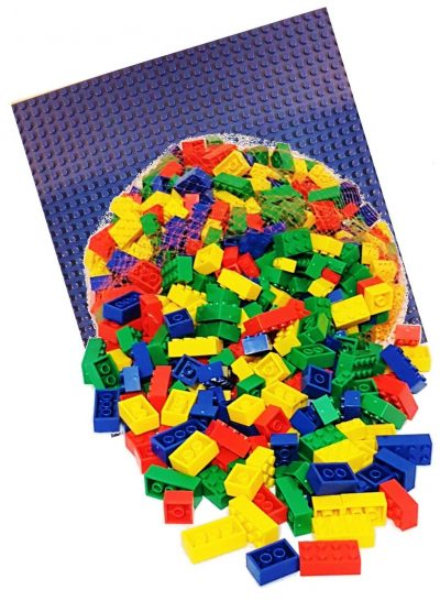 Image of 1 kg Bricks & Pieces – Prime & Blue baseplate